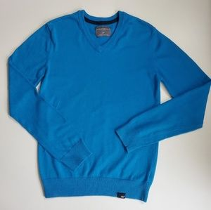 Soft Blue Men's V-Neck Sweater
